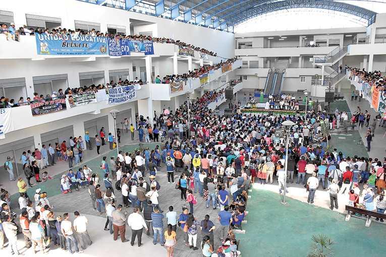 005629 600 - Gobierno boliviano crea nuevo formato comercial en Santa Cruz