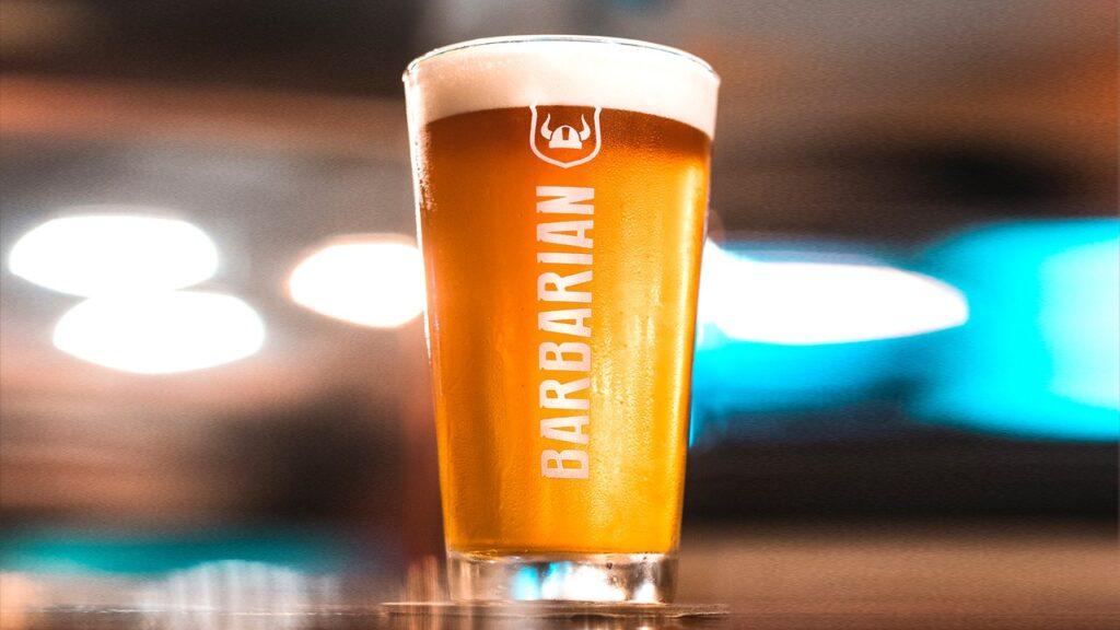 01.2. Cerveza Barbarian 1024x576 - Cervecería Barbarian se expande y abre primer bar artesanal en provincia