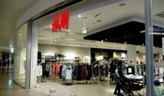 182713 240x140 - H&M abrió su quinta tienda peruana en Arequipa