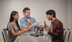 2 13 240x140 - Hasbro lanza nuevo juego para detectar las mentiras de tus amigos
