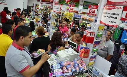 20130726035157 inauguracia n de almacenes ta a mov tn1 - Ecuador: Supermercados TIA alcanzará las 200 tiendas a fines del 2018