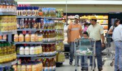 Consumidor 1 240x140 - Ventas de supermercados chilenos se incrementaron 5% en mayo