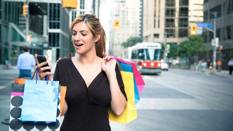 mobile commerce is shaking up the retail - ¿Qué está pasando con el ecommerce en Ecuador?