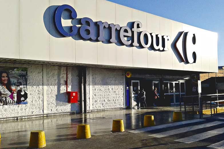 73612 cabbefoub - Argentina: Carrefour despediría a 3.000 empleados y cerraría 11 sucursales