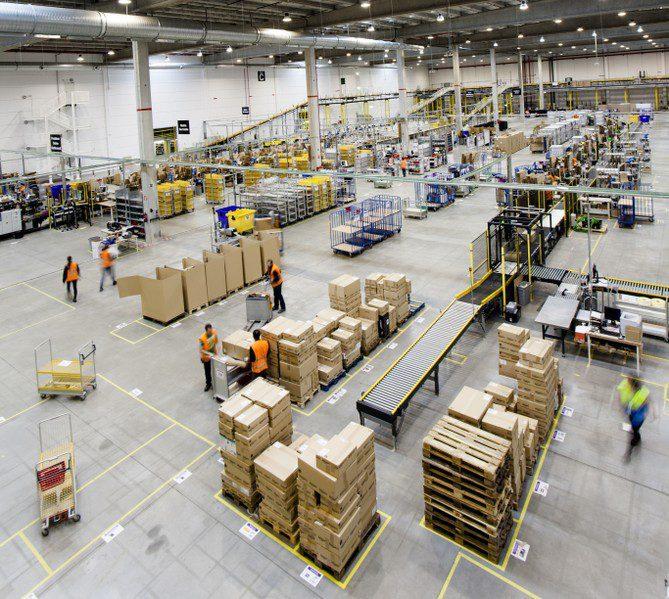 Amazon abrira puertas de su centro de logistica