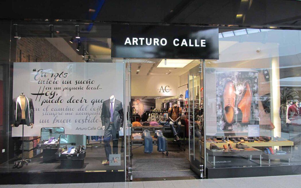 Arturo Calle lidera comercio de prendas de vestir al por menor en Colombia