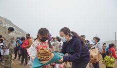 Donación de abrigos de Real Plaza y Ayudando Abrigando