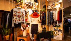 BEE VERSA es la primera multimarca 100% peruana de moda y belleza con impacto social, ambiental y económico.