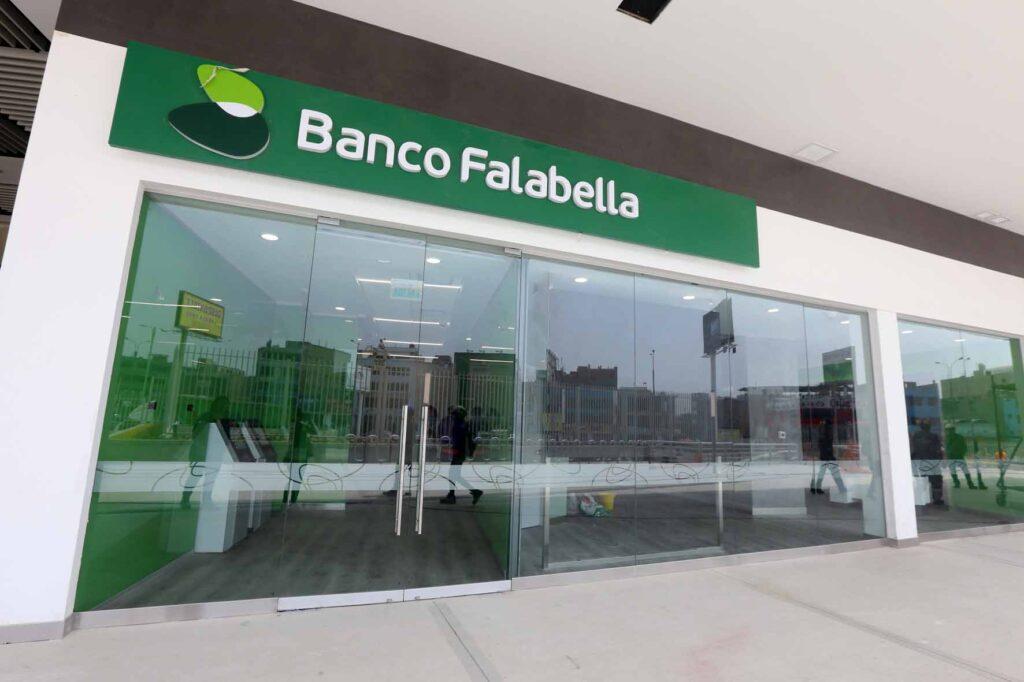Banco Falabella Real Plaza Puruchuco 1024x682 - Cajas Express de Falabella: La tienda en Puruchuco donde el cliente se atiende