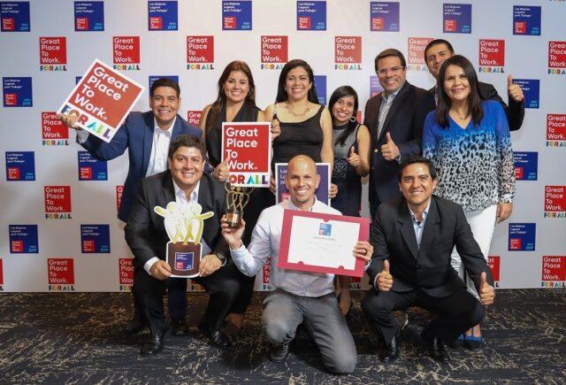Banco Ripley Premiación GPTW 640x435 - Banco Ripley es premiado por cuarto año consecutivo por Great Place To Work en Perú
