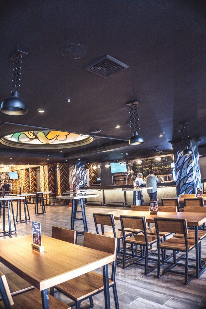 Barbarian Sheraton Lima interior - Barbarian inaugura bar de cerveza artesanal en Hotel Sheraton Lima