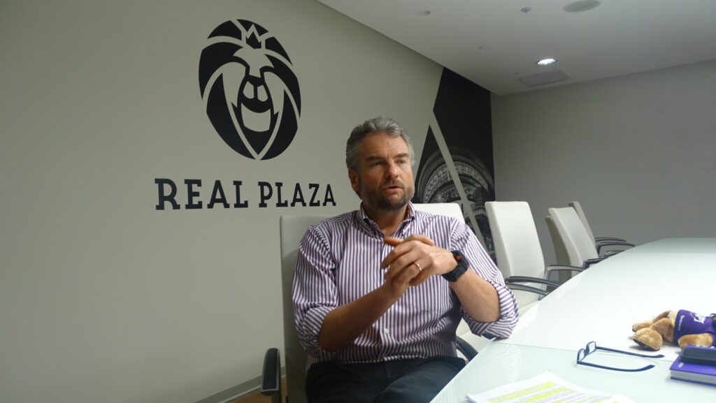 CEO Real Plaza