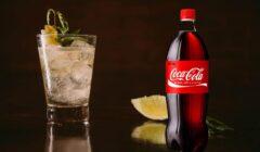 """COCA COLA PISCO PERÚ RETAIL 240x140 - Embotelladoras de Coca-Cola comercializarán aguardiente de uva bajo la denominación """"pisco"""" en Chile"""
