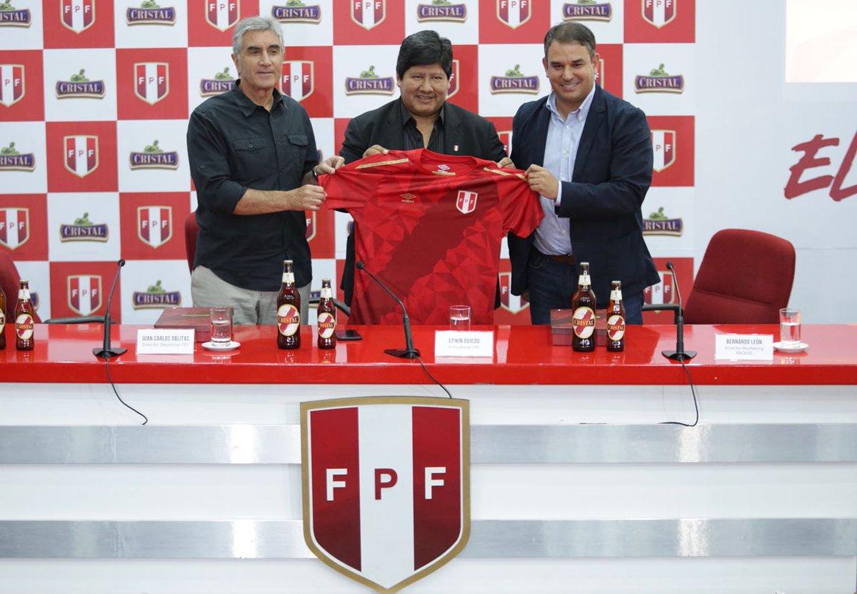 Camiseta selección peruana 2 - Rusia 2018: Selección peruana presentó su tercera camiseta mundialista