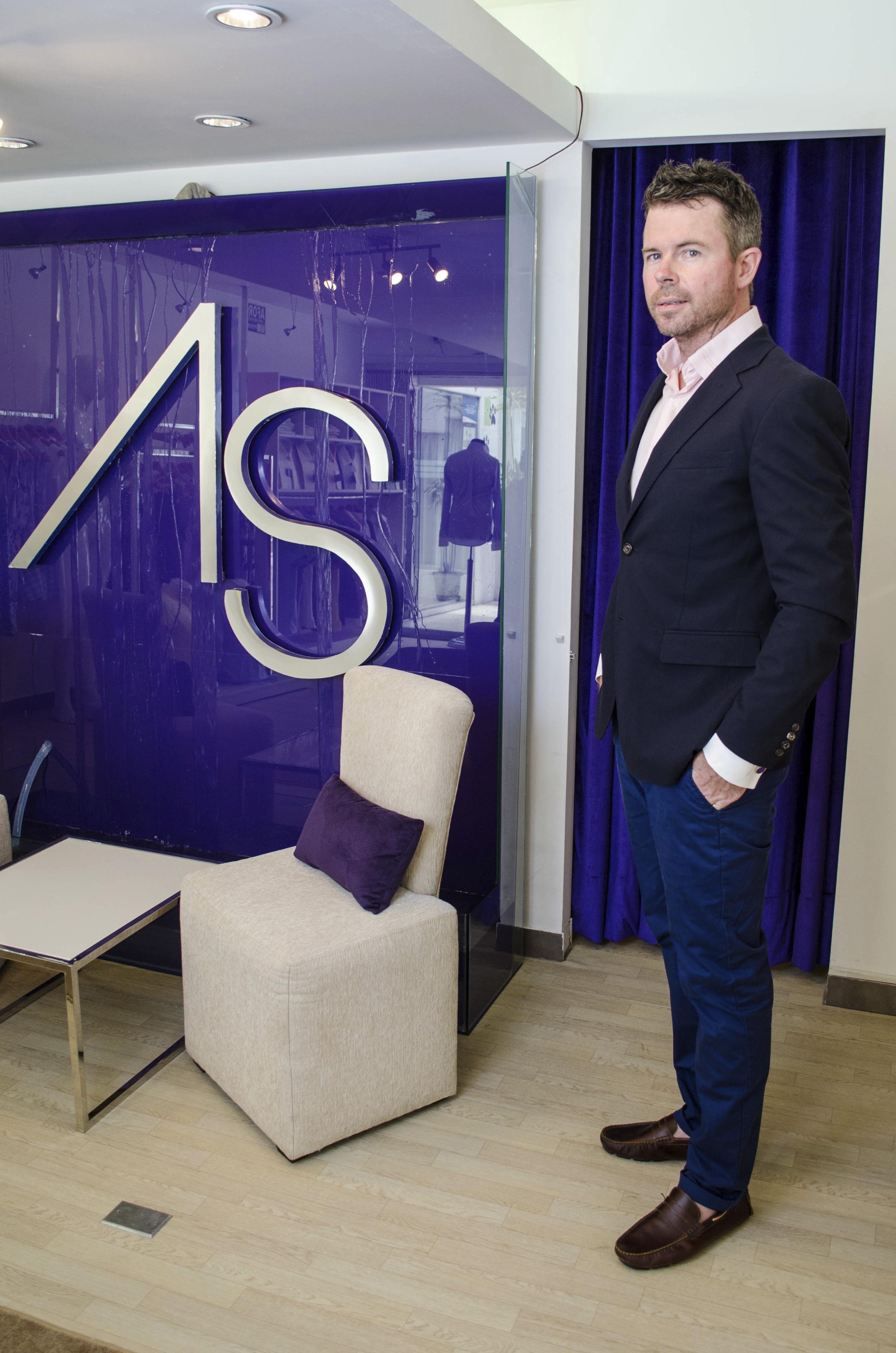 Christopher Board Diseñador línea hombre  - Cadena de moda Andrea Suarz planea abrir 5 tiendas en Perú