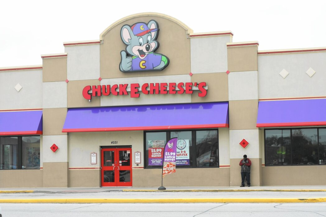 Chuck E. Cheese - Perú: Chuck E. Cheese's abriría su cuarto local en el Callao