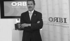 Claudio Saavedra Gerente General de Orbi Consultores bn