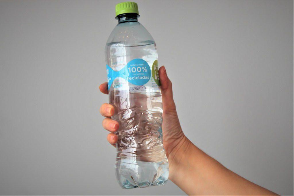 Coca Cola2 1 - Perú: Coca-Cola y Arca Continental Lindley lanzan el primer envase hecho 100% de botellas recicladas