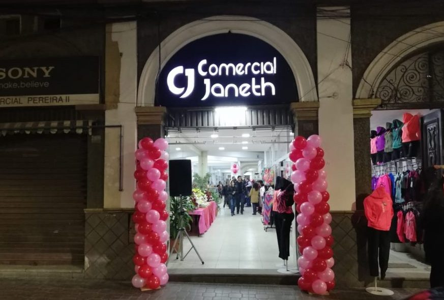 Comercial Janeth Tarija - Bolivia: El complejo Comercial Janeth abre sus puertas con innovadora propuesta de moda