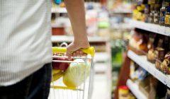 Compras en Supermercado 1 240x140 - Hogares peruanos redujeron sus compras en el primer semestre del 2017