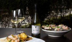 tabernero Conchitas a la parmesana con Vittoria Reserva Chardonnay Restaurante Alfresco