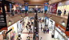 Consumidores en centros comerciales 1 240x140 - Más de US$250 millones se invertirían en malls en provincias