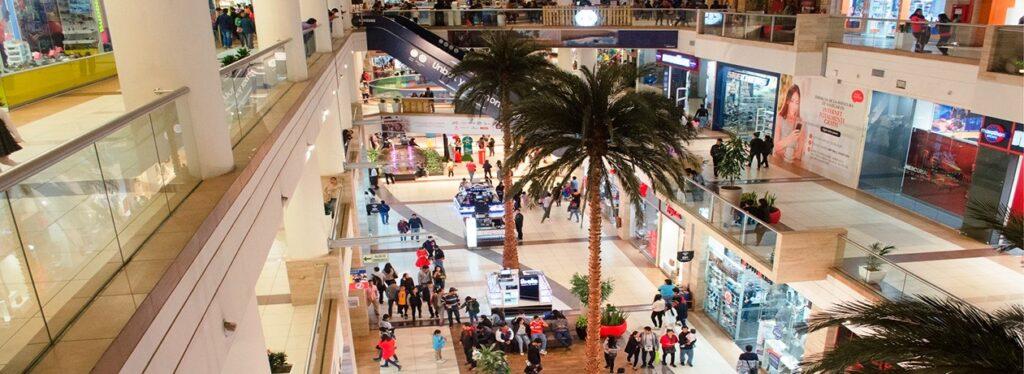 Consumidores en centros comerciales 3 1024x374 - Después de Lima, Piura y Arequipa son las provincias con más centros comerciales