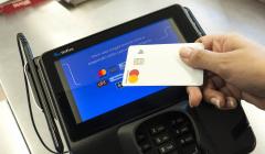 Contactless Mastercard 240x140 - Perú: Cencosud implementa POS de última tecnología en Wong de Asia