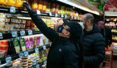 marcas Shopping At Trader Joes During Coronavirus