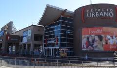 Cuatro interesados por compra de malls de Walmart en Chile
