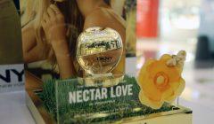 DKNY dorado 2 240x140 - DKNY presenta al mercado peruano su nueva fragancia 'Nectar Love'