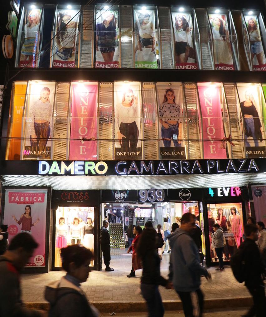 Damero Gamarra Plaza 2 1 - Damero Gamarra Plaza apuesta por moda 100% peruana