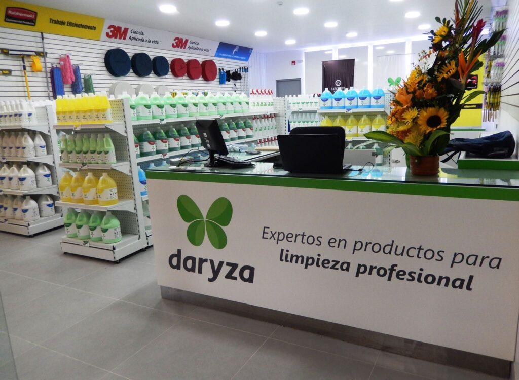 Daryza-Minka1