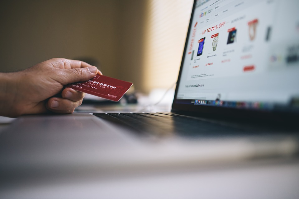 Ecommerce Capece - La desconfianza frena el crecimiento del ecommerce en el Perú
