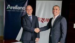 Equifax y Arellano firman alianza 2 1 240x140 - Perú: Arellano y Equifax se unen para realizar estudios del consumidor