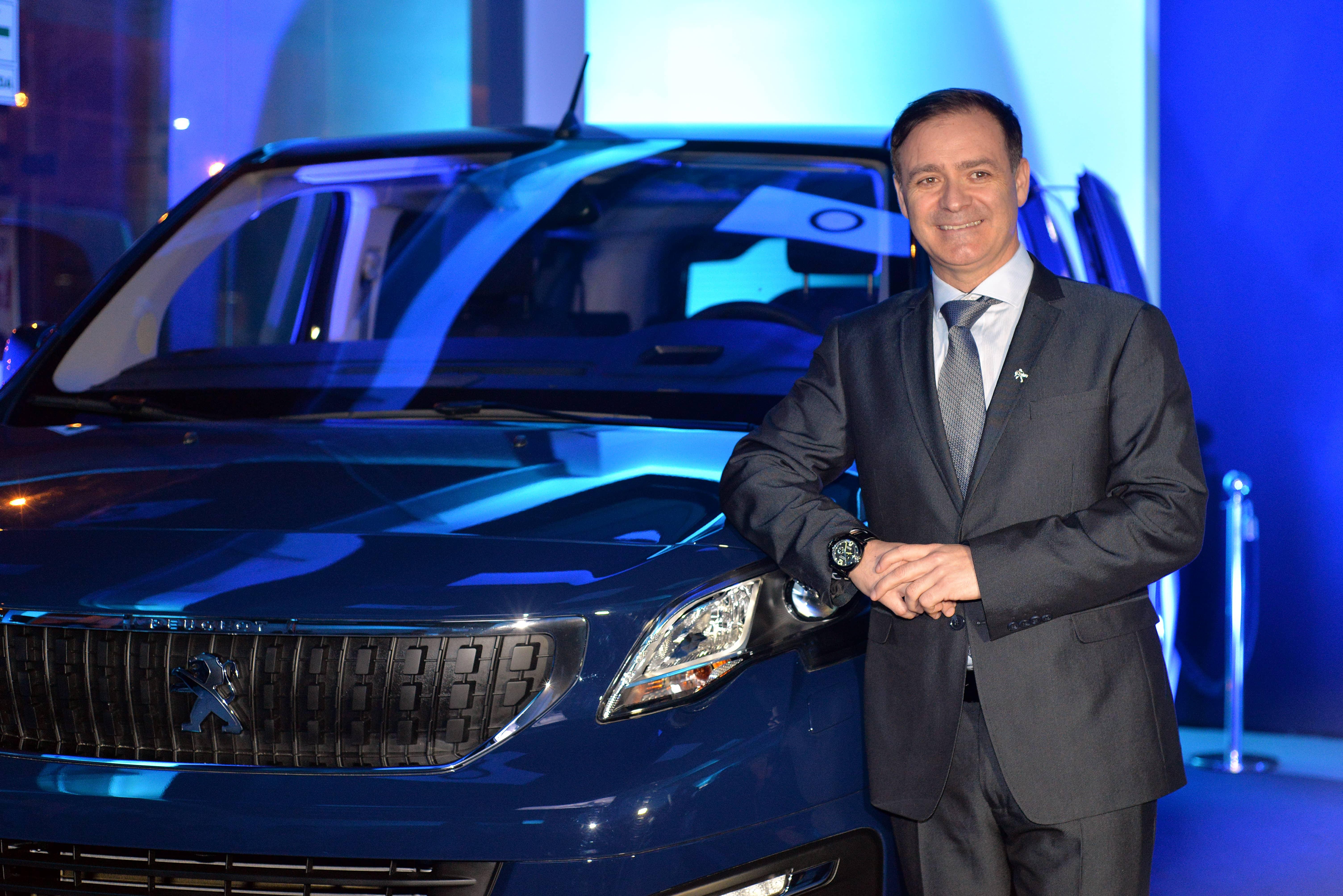 FOTO 44 min - Perú: Peugeot continúa con su expansión y abre una tienda en San Borja