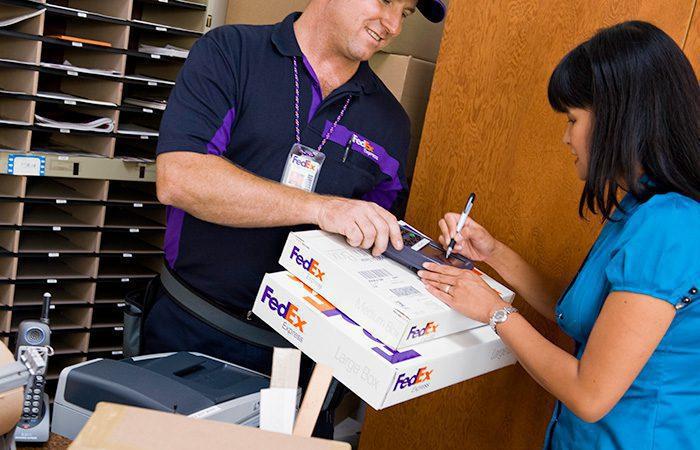 FedEx 2 - FedEx aumenta sus ingresos durante el segundo trimestre del año
