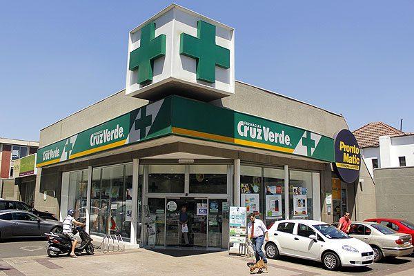 Femsa compra farmacéutica en Chile