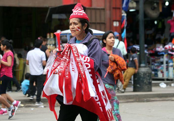 Gamarra - Gamarra prevé vender más de 2 mil millones de soles en prendas mundialistas