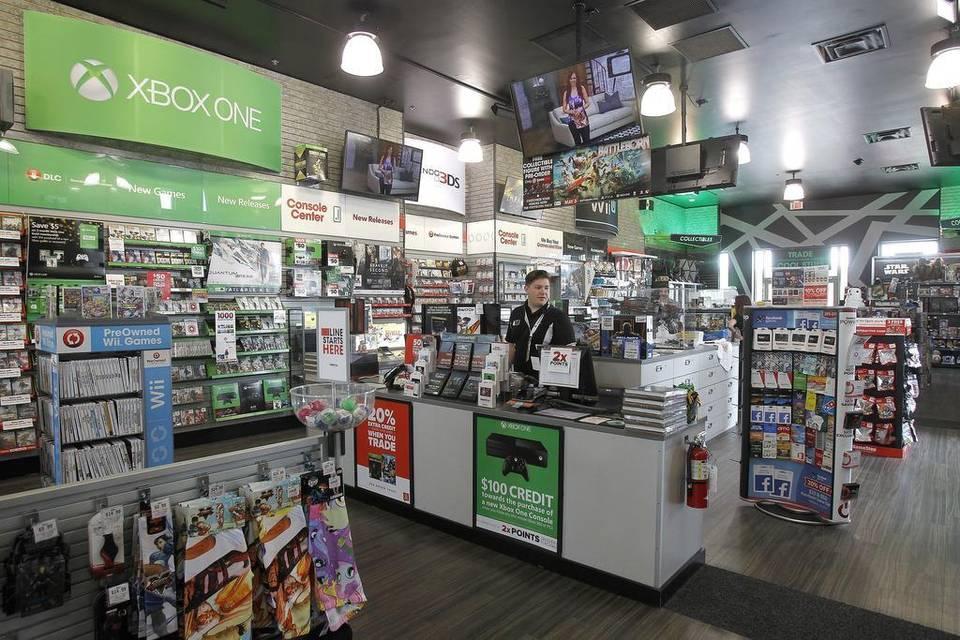 GameStop 2 - GameStop planea cerrar 150 locales tras caída de ventas