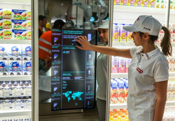 Generic Supermarket Retail Microsoft Envision 2016 Photo 1 600x415 - Diez tendencias de la transformación digital del retail
