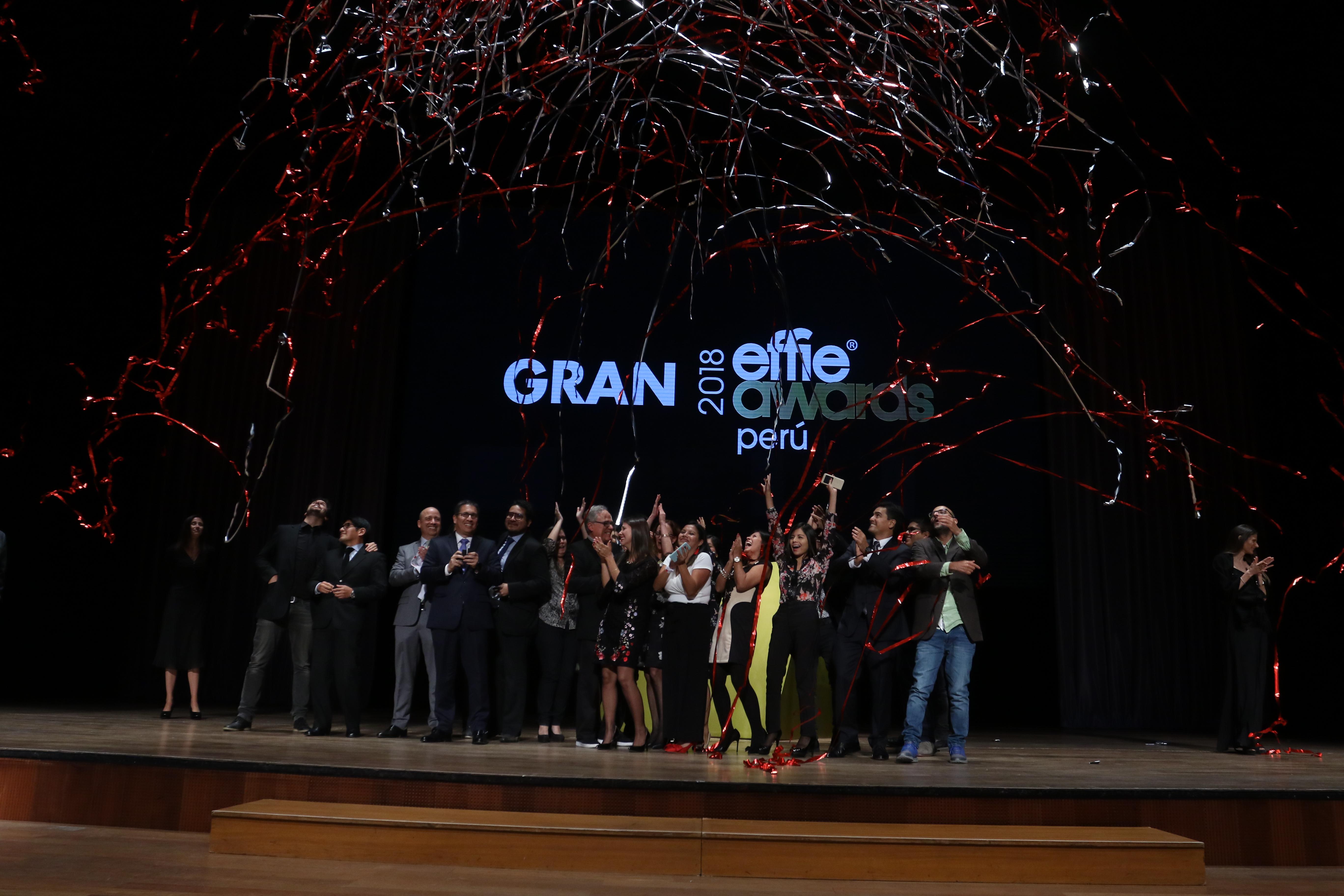 """Gran Effie 2018 - Mi Banco gana el Gran Effie 2018 por la campaña """"Escolares Útiles"""""""