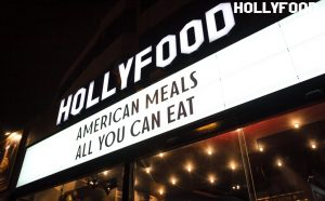 """Hollyfood 300x186 - Hollyfood: El restaurante que combina gastronomía y cine, junto a  su modelo de negocio """"All you can eat"""""""