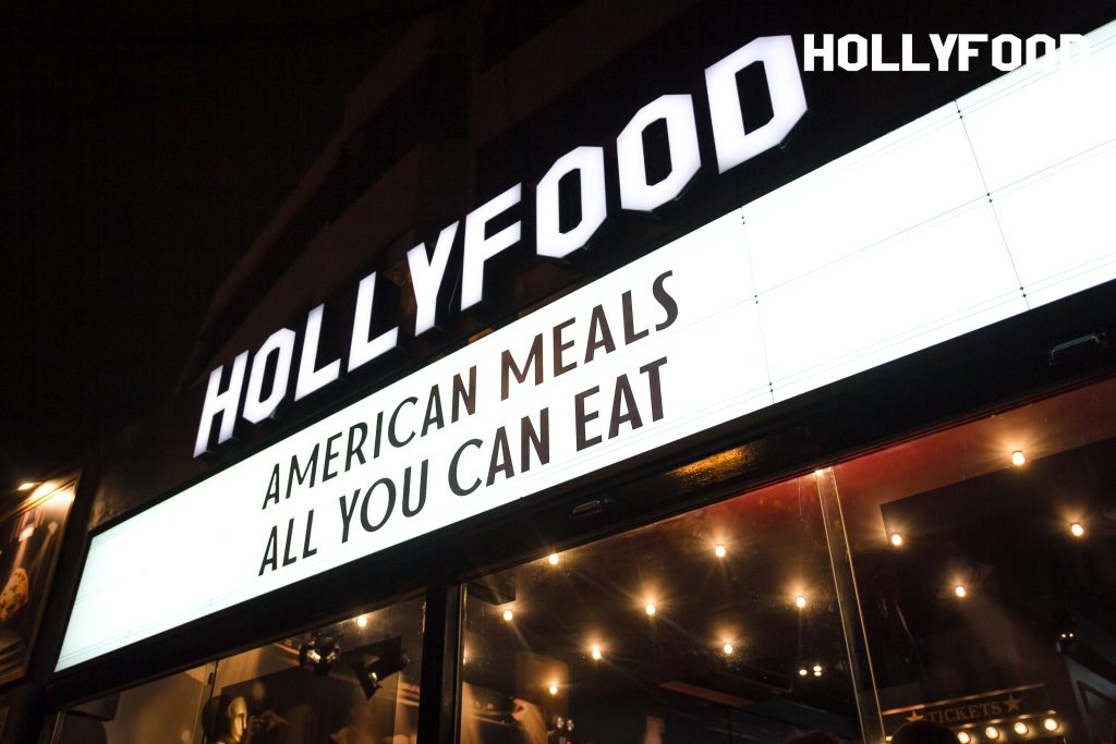 "Hollyfood - Hollyfood: El restaurante que combina gastronomía y cine, junto a su modelo de negocio ""All you can eat"""
