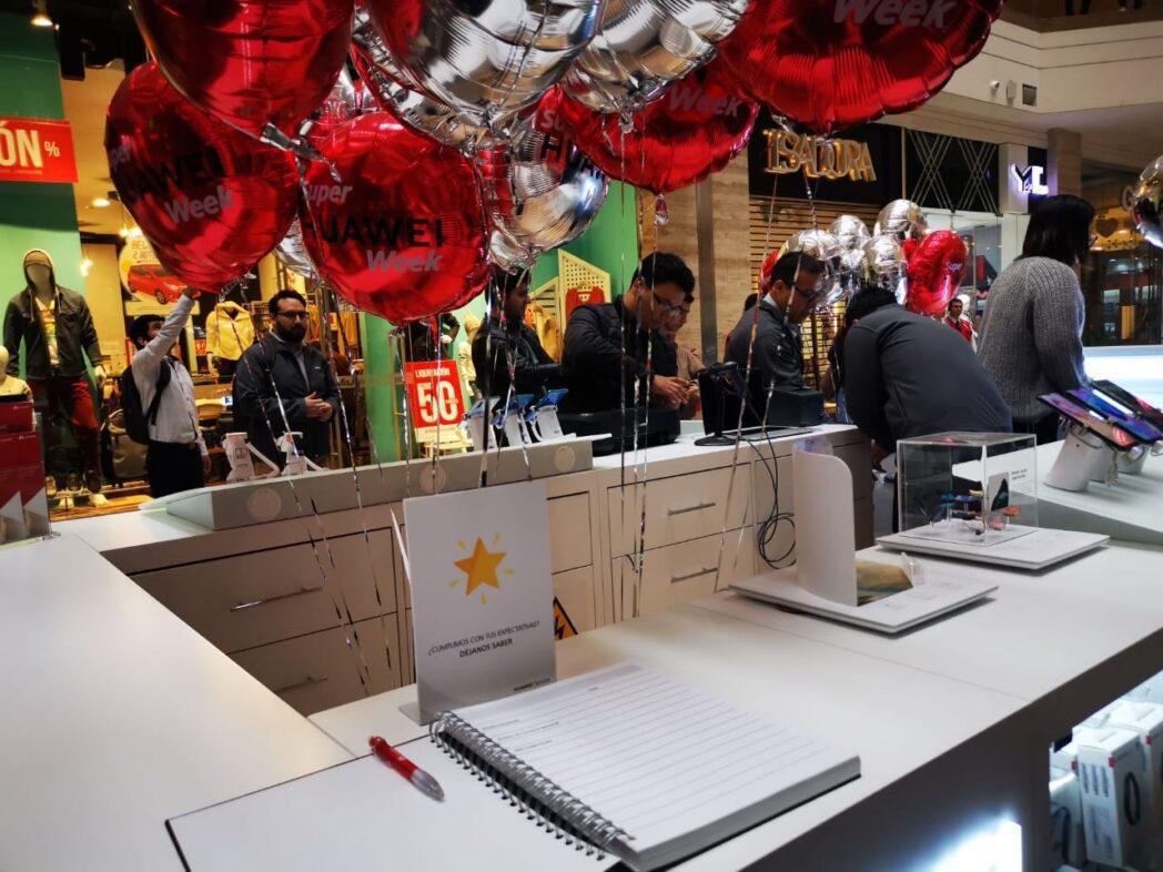 Huawei Inauguración Mall Plaza Santa Anita  - Huawei inaugura nuevo punto de venta y servicio en Mall Aventura Santa Anita