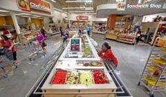 Hy Vee Market 1 240x140 - Ventas minoristas de EEUU caen por segundo mes consecutivo en junio