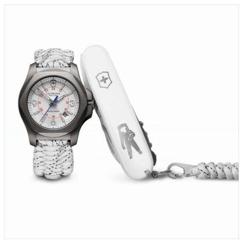 I.N.O.X. Titanium Sky High Limited Edition - I.N.O.X. un reloj único inspirado en el cuchillo suizo de Victorinox