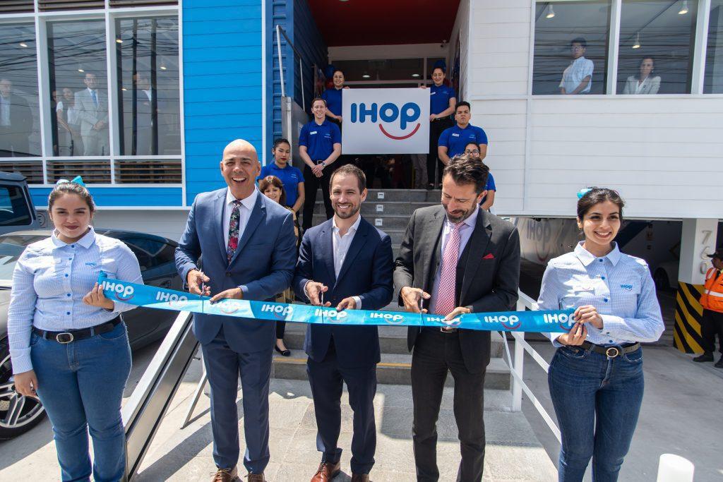 IHOP 7 - Conoce por dentro el primer restaurante de IHOP en el Perú