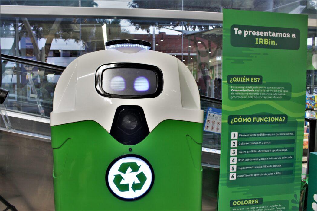 IRBin - Perú: Conoce el nuevo robot de Tottus que enseña a separar correctamente los residuos