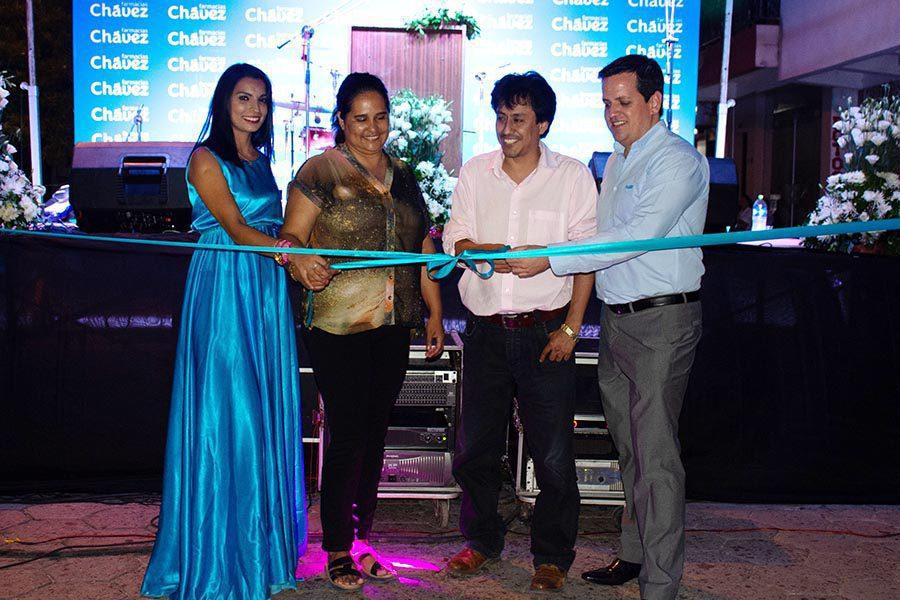 Inauguracin Yacuiba - Bolivia: Farmacias Chávez abre su local N°71 que atiende las 24 horas